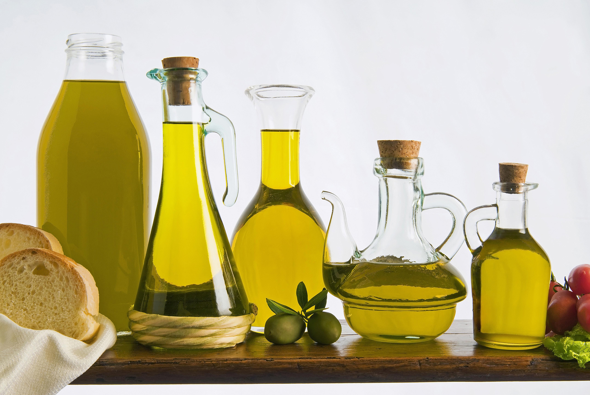 different-types-of-olive-oil-102321874-57ac6bcc3df78cf4597aa045